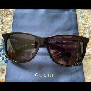 LIKE NEW Gucci 57mm Square Black Sunglasses